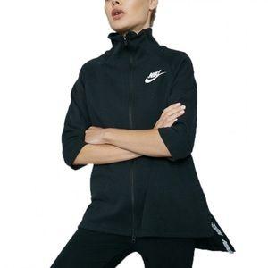 Nike Woman's Advanced 15 Cape Jacket